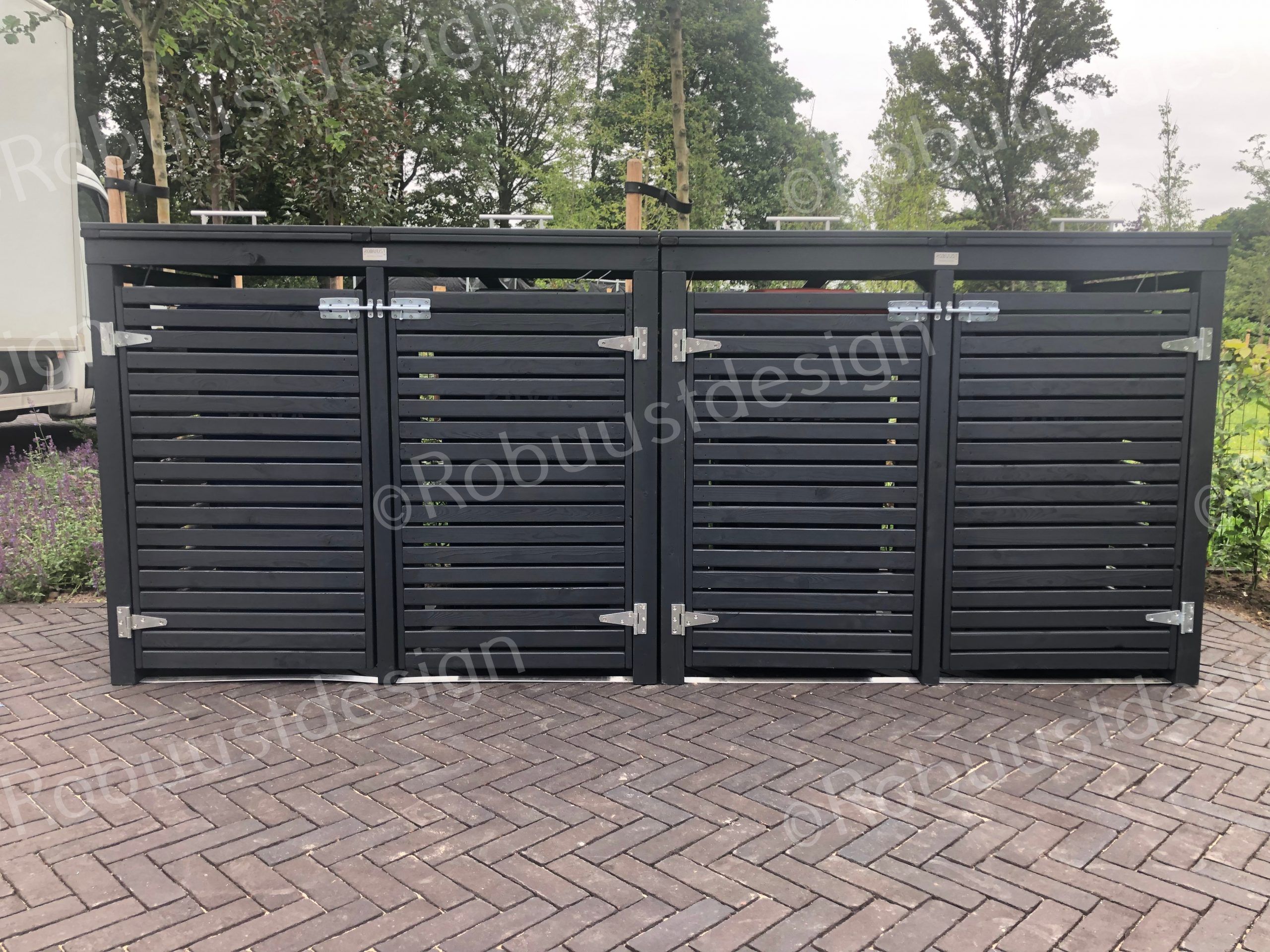 afvalcontainers-opbergen-in-tuin
